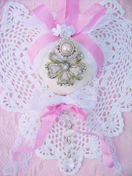 Bella Fleur Vintage Charm Heart