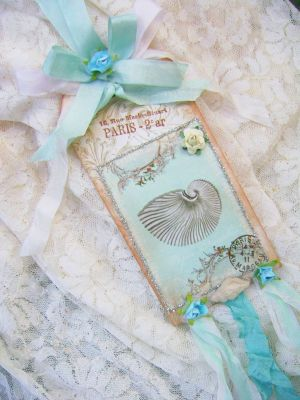 Paris Chic Nautilus Shell Tag