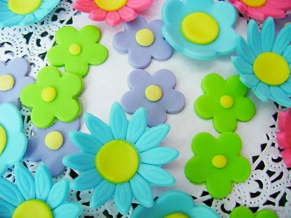 Assorted Bright Colored Fondant Flower Daisy Mix