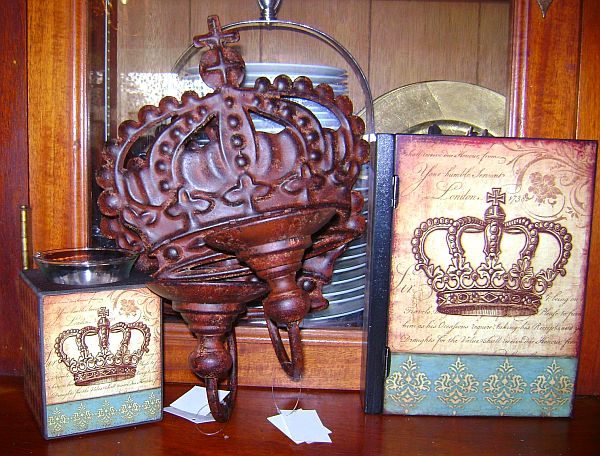 French Chic Chocolate and Turquoise Crown Box