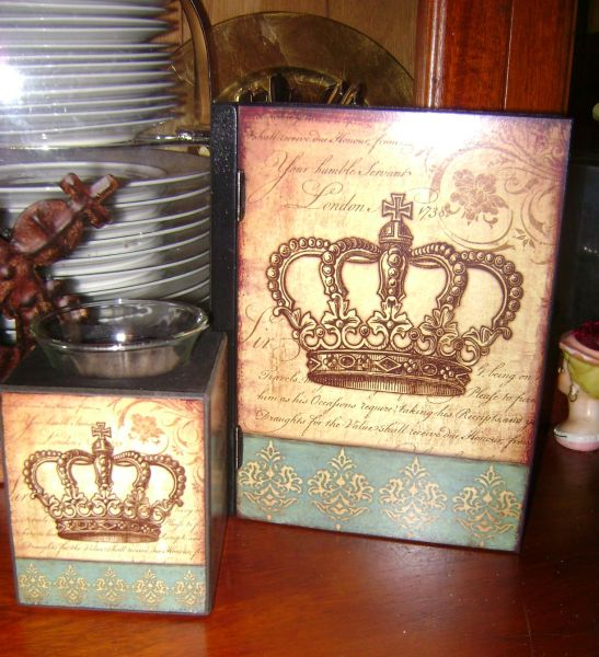 French Chic Chocolate and Turquoise Crown Candle holder