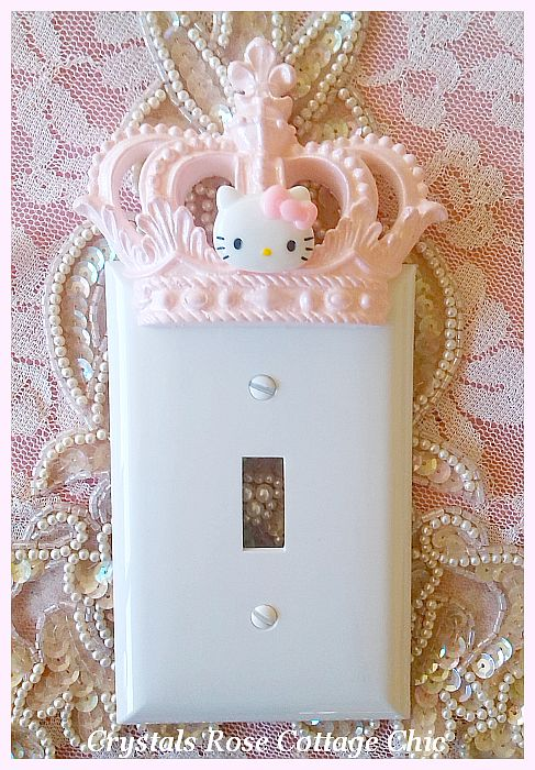 Hello Kitty Pink Crown Wall Plate