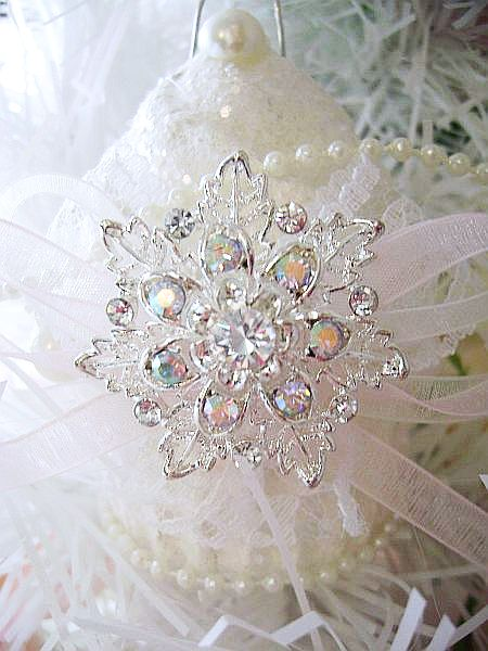 Crystal Frost, Sugared Cupcake with Crystal Snowflake