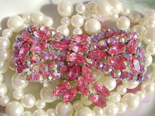 Stunning Pink Bow Weiss Brooch