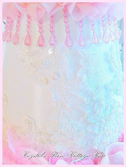 Pink Feather Beaded Lace Rose Lamp