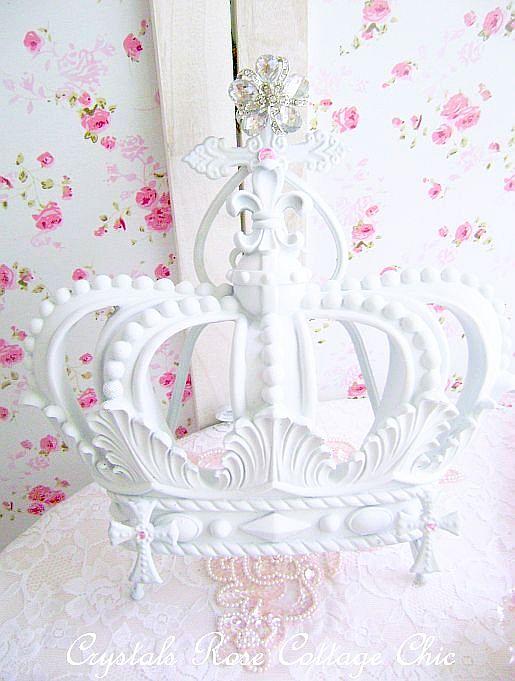 White Fleur De Lis Crown