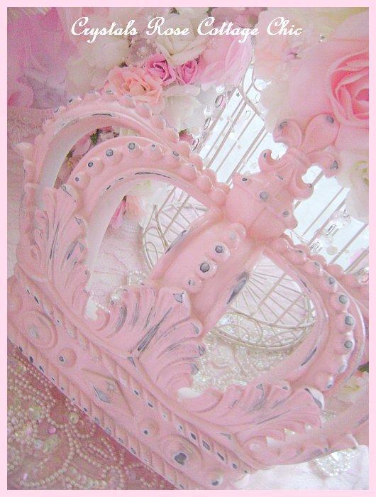 Shabby Pink Distressed Fleur de Lis Crown