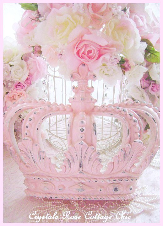 Shabby Pink Distressed Fleur de Lis Crown