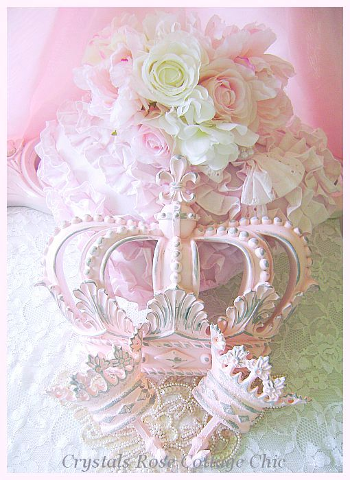 Shabby Pink Fleur de Lis Bed Crown Set