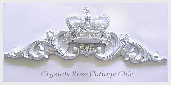Silver Fleur de Lis Crown Pediment