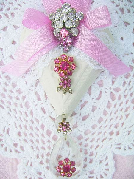 Victorian Pink Vintage Charm Heart