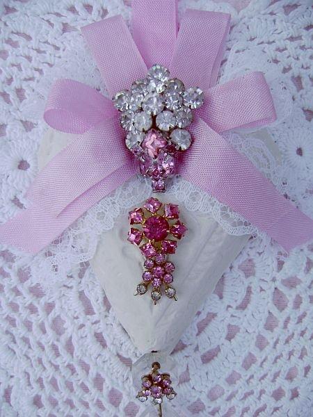 Victorian Pink Vintage Charm Heart