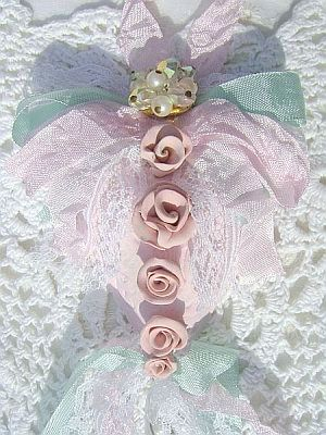 Soft Pink, Victorian Rose Vintage Charm Heart Ornament/Decor