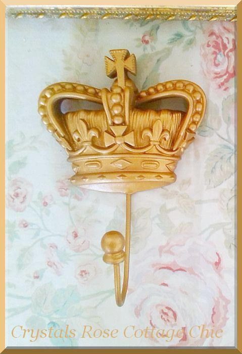 French Crown Hook in Vintage Gold