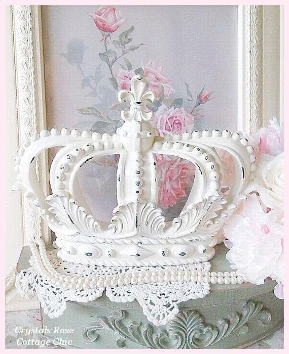 Vintage White Distressed Fleur de Lis Crown
