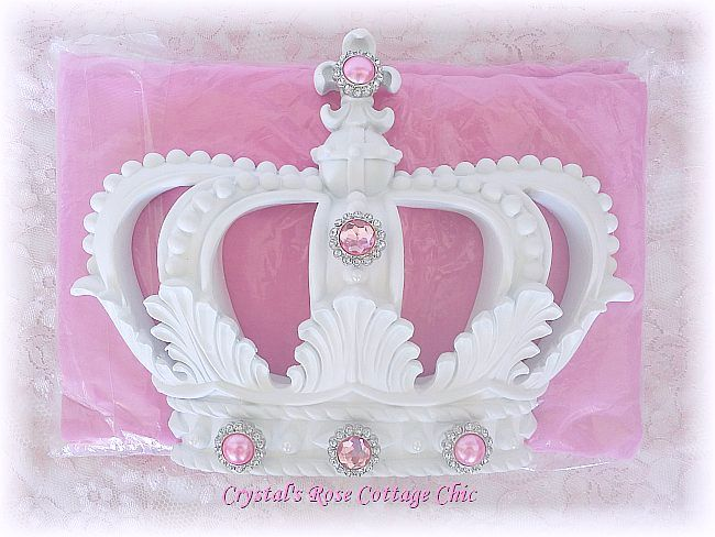 White and Pink Bed Crown