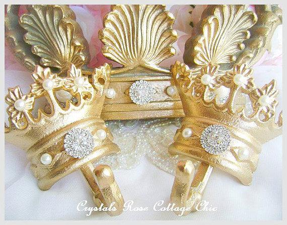 """Custom 30"""" Bed Crown Set"""