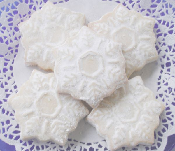Powder Sugar Dusted Scottish Shortbread Snowflake Cookies