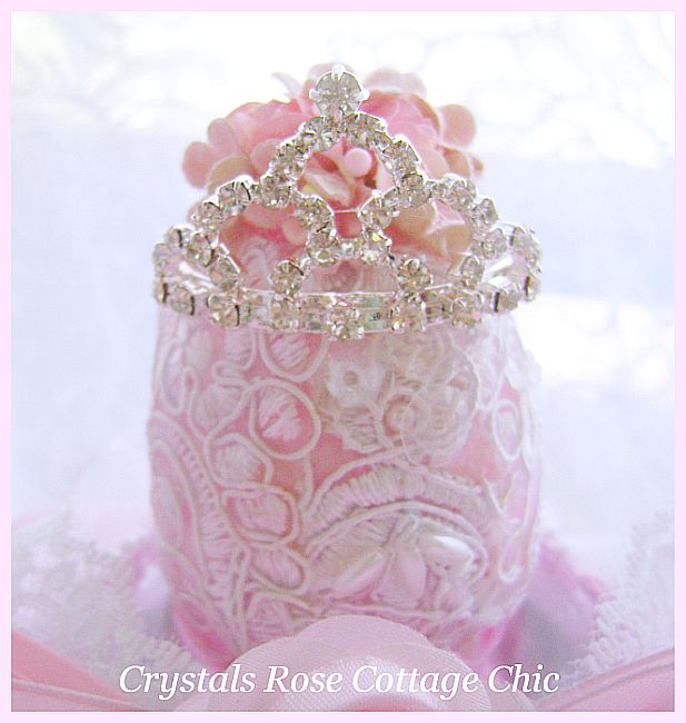 Royal Rhinestone Crown Egg