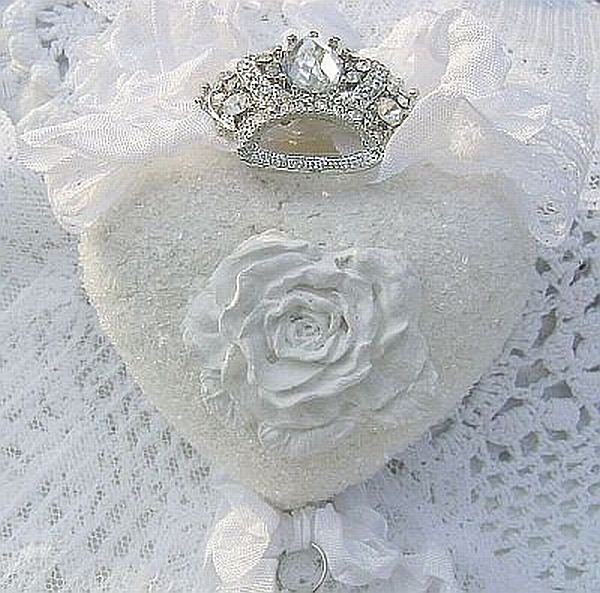Shabby White Rose French Chic Crown Heart Ornament/Decor