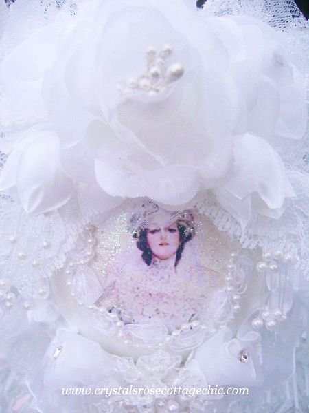 Victorian Bridal Romance Ornament 3