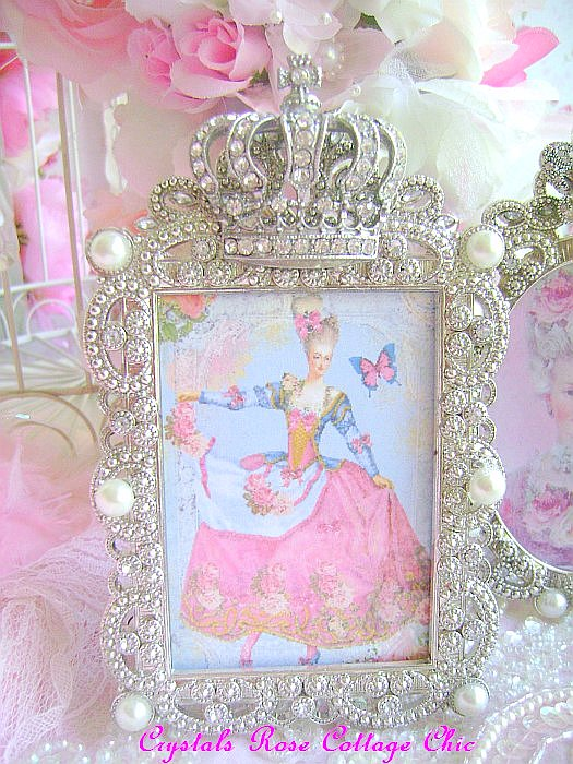 Victorian Crown Frame
